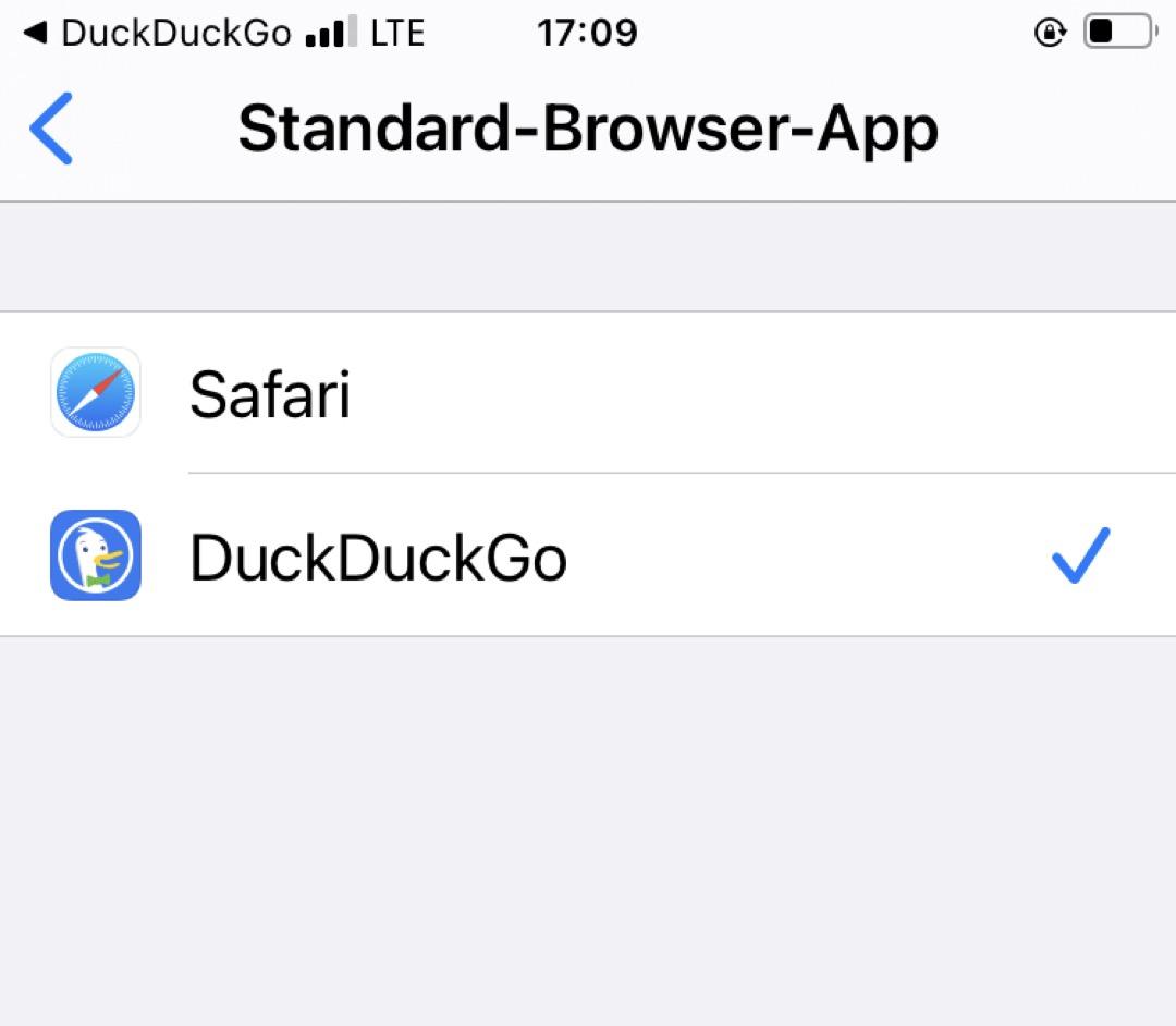 DuckDuckGo als Standard Browser in iOS mrkiert.
